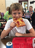What do students think about school lunch?